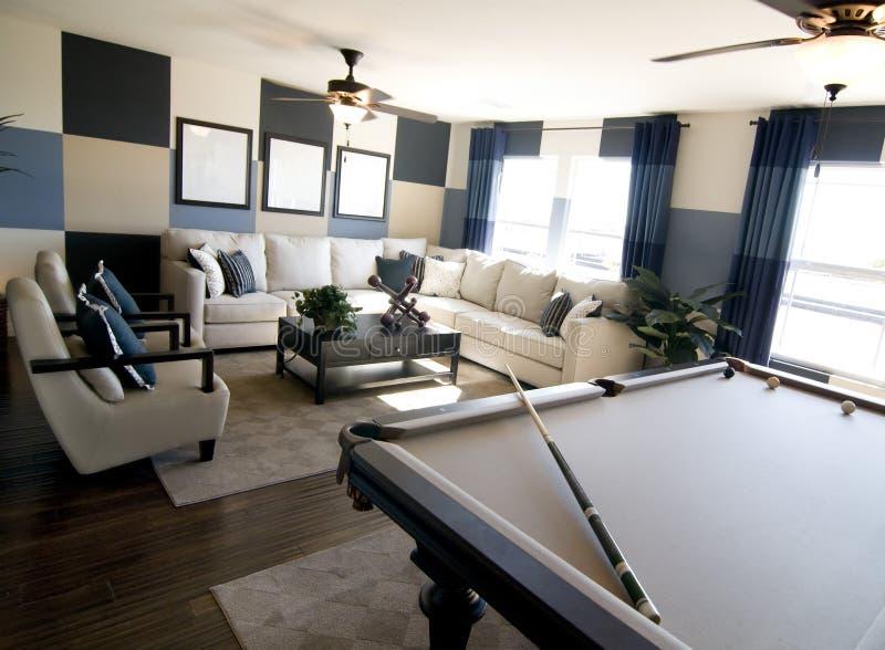 de ruimte binnenlands ontwerp van het luxespel stock afbeeldingen