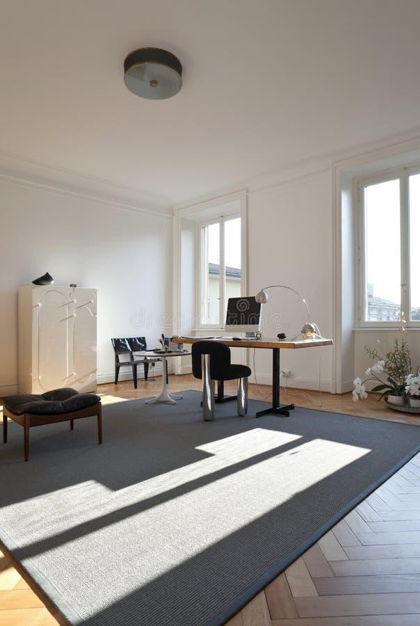De ruimte van de studio met retro meubilair royalty-vrije stock afbeelding
