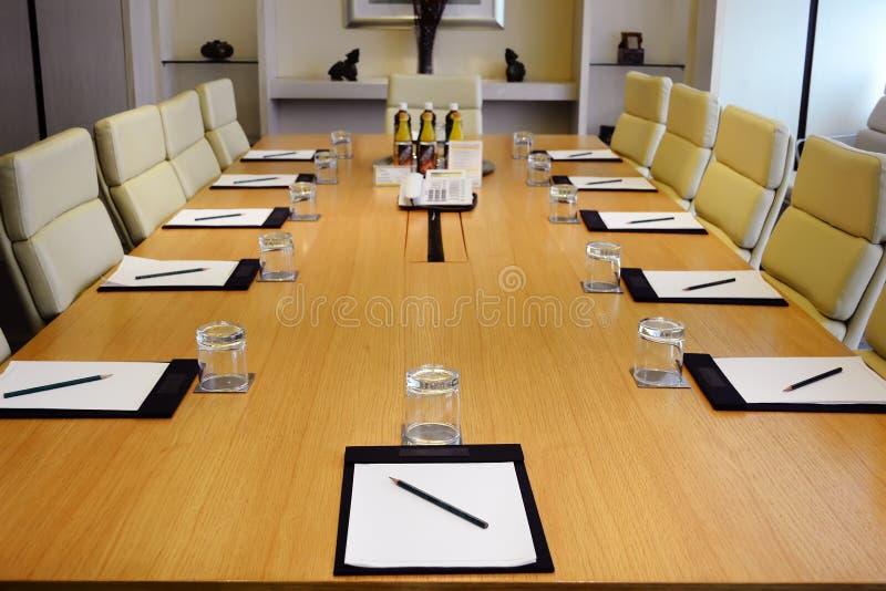 De ruimte van de vergadering royalty-vrije stock afbeeldingen