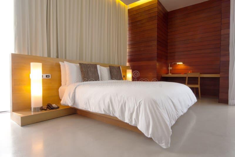 De ruimte van het bed stock afbeeldingen