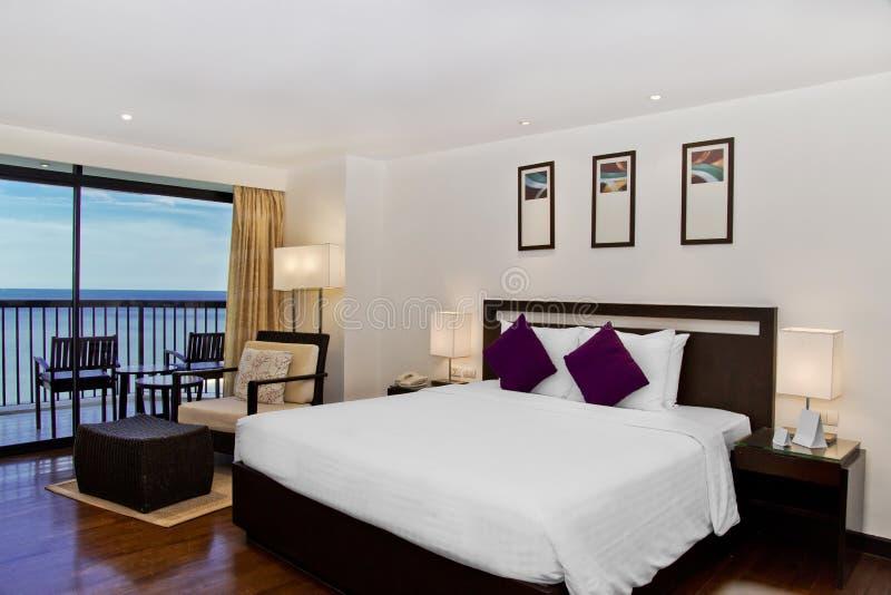 De ruimte van de hotelreeks met seaview stock fotografie