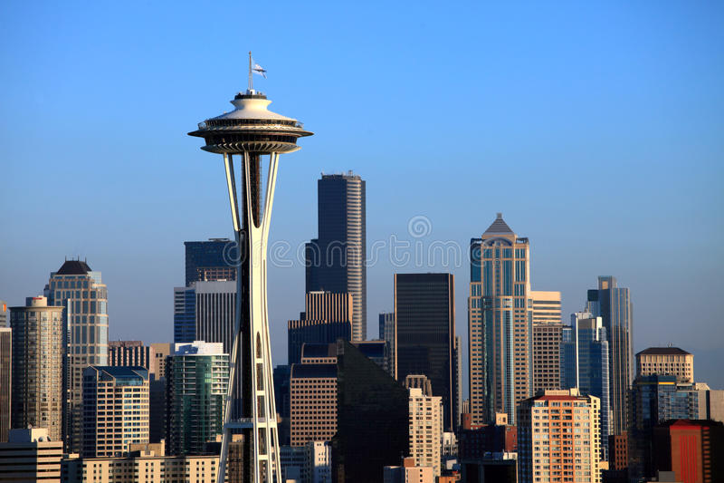 De ruimtenaald en de horizon van Seattle. stock afbeelding