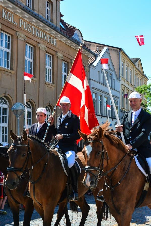 De ruiters paraderen, Sonderborg, Denemarken stock fotografie