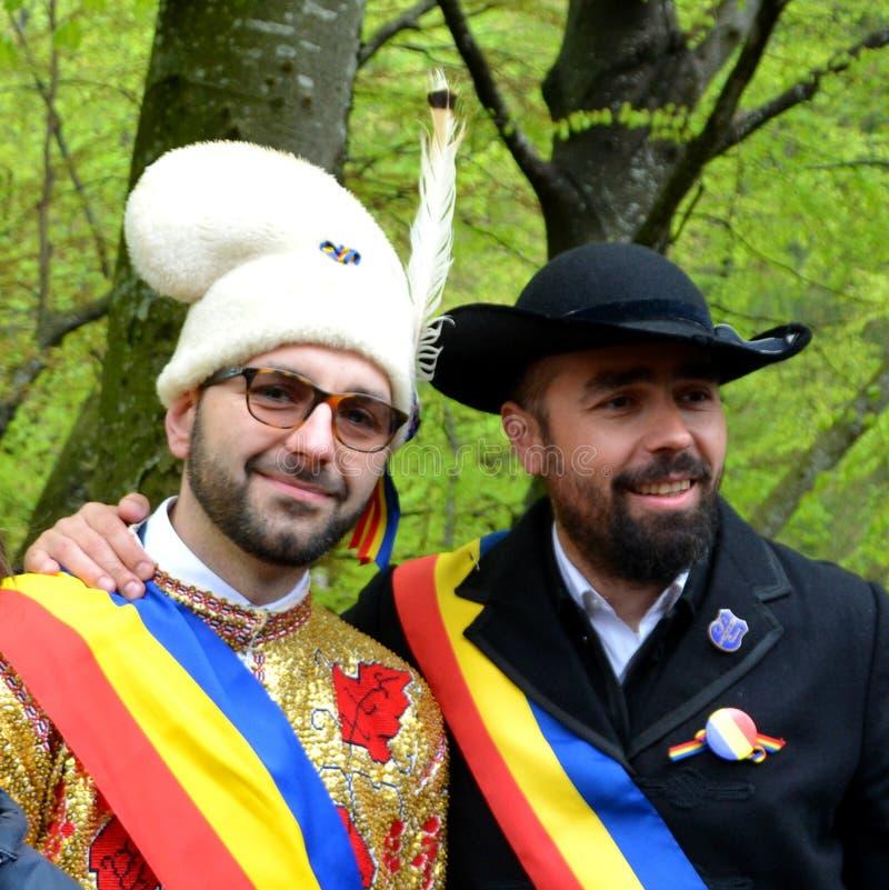 De ruiters tijdens Brasov Juni paraderen royalty-vrije stock foto