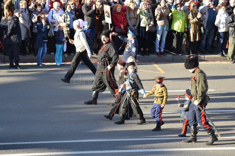 De Russische Kozakken op Overwinning paraderen royalty-vrije stock afbeelding