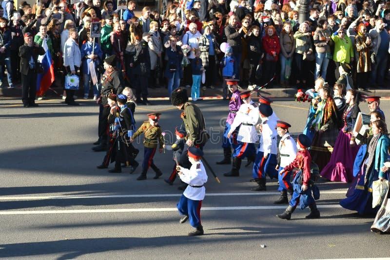 De Russische Kozakken op Overwinning paraderen stock fotografie