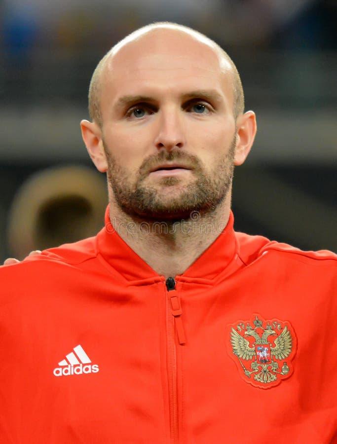 De Russische nationale verdediger Konstantin Raush van het voetbalteam royalty-vrije stock foto