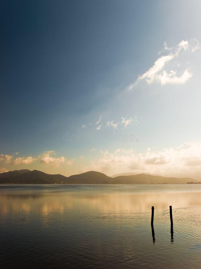 De rust van het meer royalty-vrije stock fotografie
