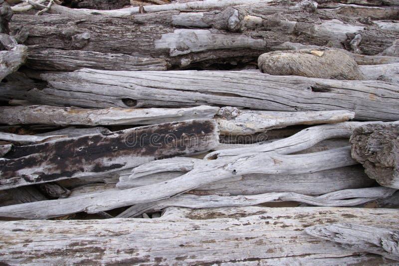 De rustieke achtergrond van drijfhoutstukken met textuur en exemplaarruimte stock afbeelding