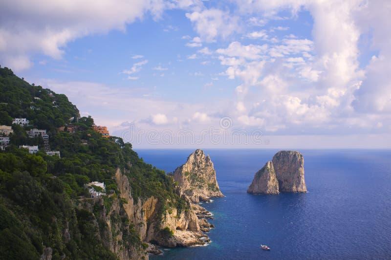 De ruwe Mening van de Kustlijn, Capri Italië royalty-vrije stock afbeeldingen