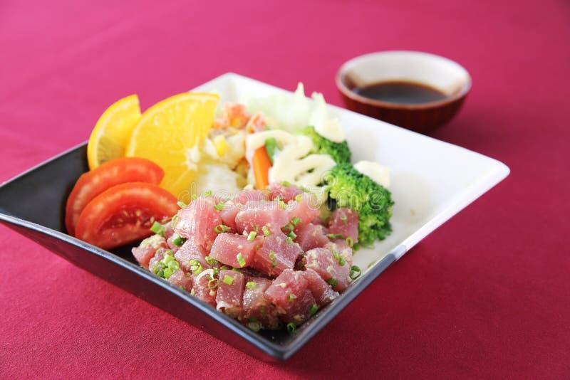 De ruwe reeks van de tonijnsalade stock foto