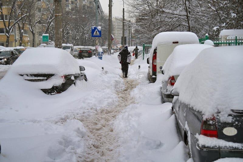 De ruwe winter in Boekarest, hoofdstad van Roemenië stock afbeeldingen