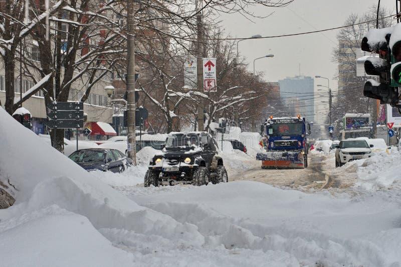 De ruwe winter in Boekarest, hoofdstad van Roemenië stock fotografie