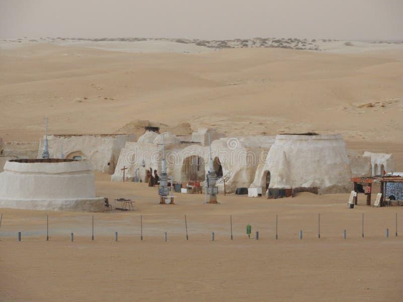 De Sahara, Tunesië, 25 Juli, 2018: verlaten landschap voor de film van Sterrenoorlog in de woestijn van de Sahara, planeet Tatooi stock afbeelding