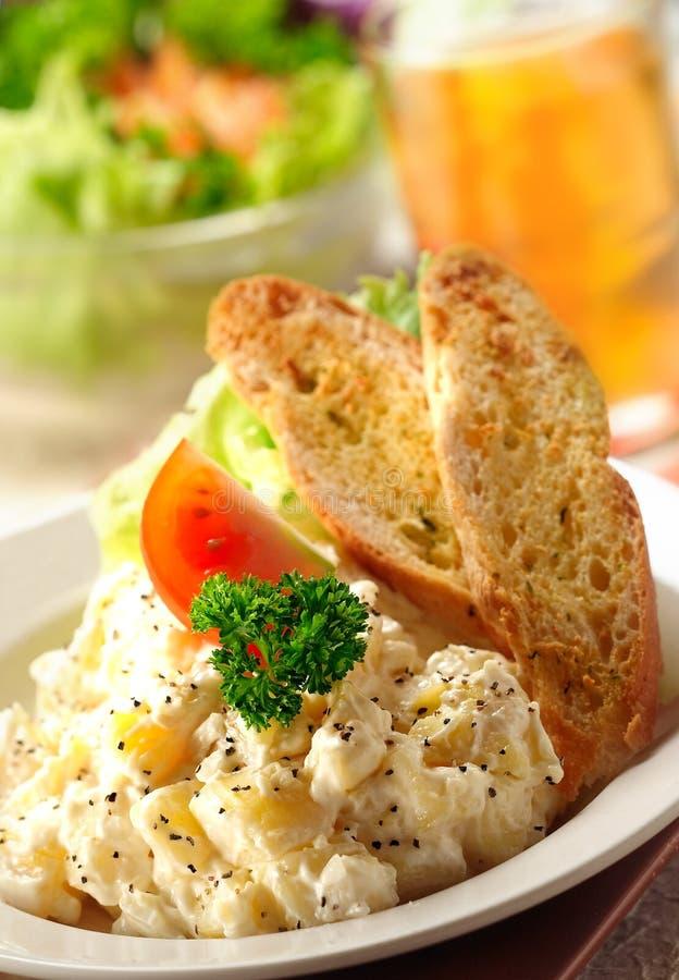 De salade van de aardappel stock afbeelding