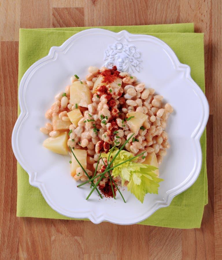 De salade van de boon en van de aardappel royalty-vrije stock foto