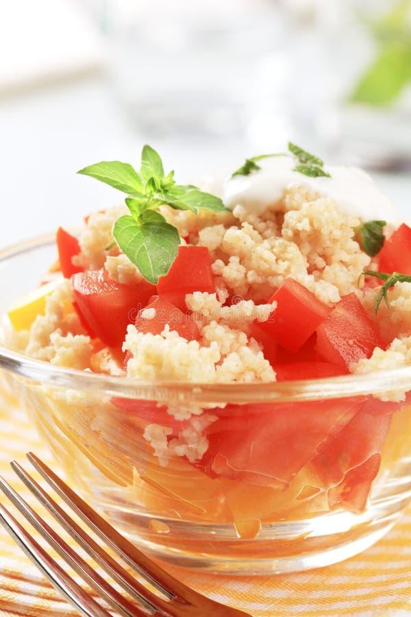 De salade van de kouskous stock afbeeldingen
