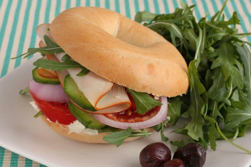 De saladeongezuurd broodje van de ham royalty-vrije stock fotografie