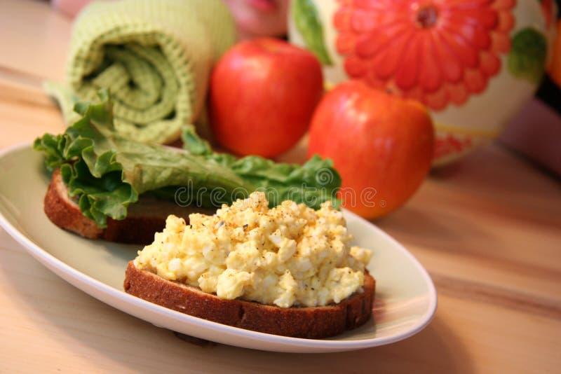 De saladesandwich van het ei stock foto