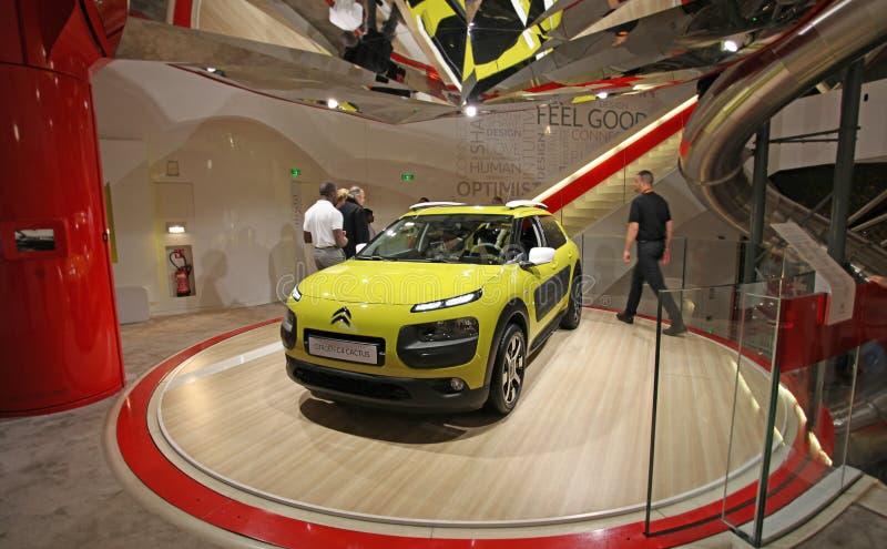 De salon van Citroën in Champs Elysees parijs royalty-vrije stock fotografie