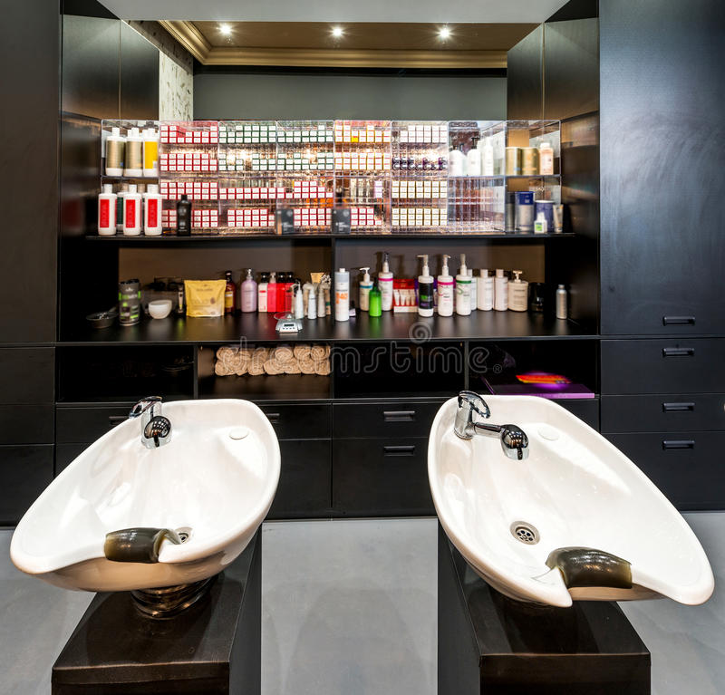 De salon van de luxeschoonheid stock foto's