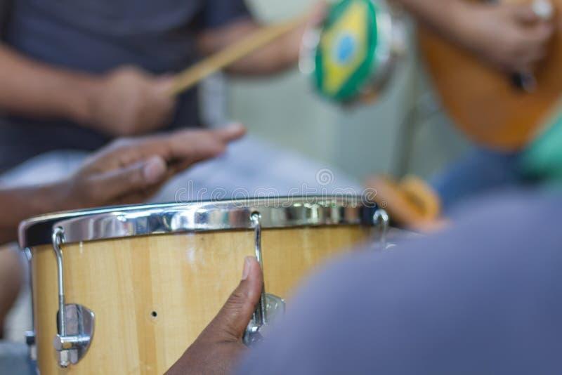 De samba maakt deel van Carioca-cultuur en één uit van het meest traditioneel royalty-vrije stock fotografie