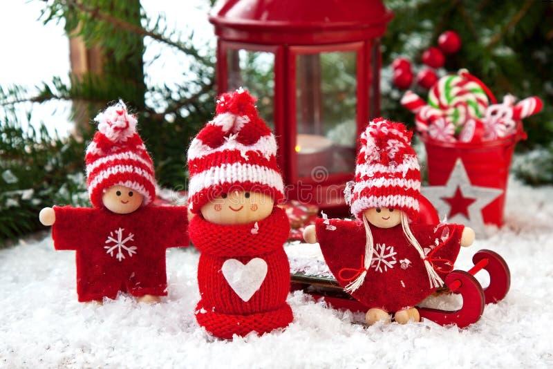 De samenstelling van de Kerstmisvakantie met lantaarn en decoratie stock foto's