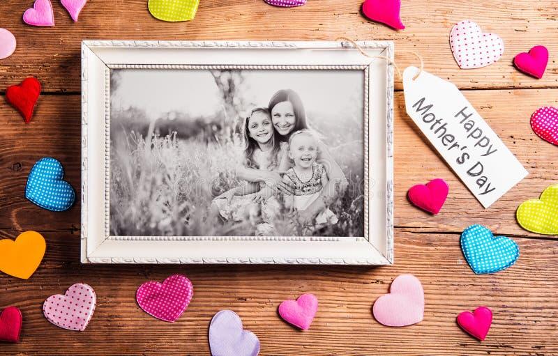 De samenstelling van de moedersdag, omlijsting Houten studioschot, bac royalty-vrije stock afbeeldingen