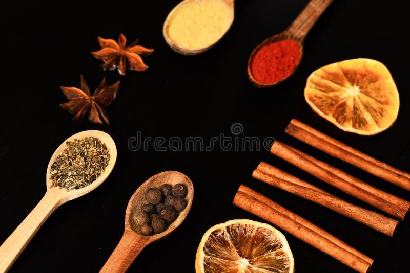 De samenstelling van specerij, sluit omhoog Het concept van de voedselkunst royalty-vrije stock fotografie
