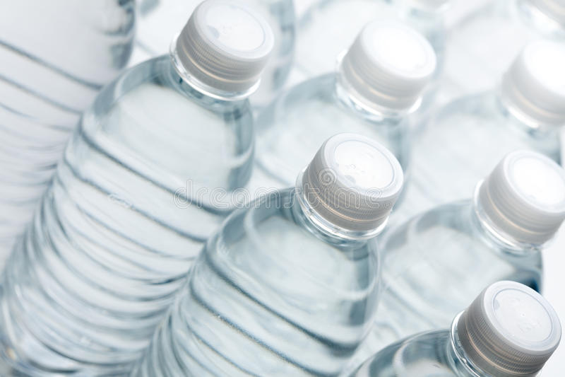 De Samenvatting van de Flessen van het water royalty-vrije stock afbeeldingen