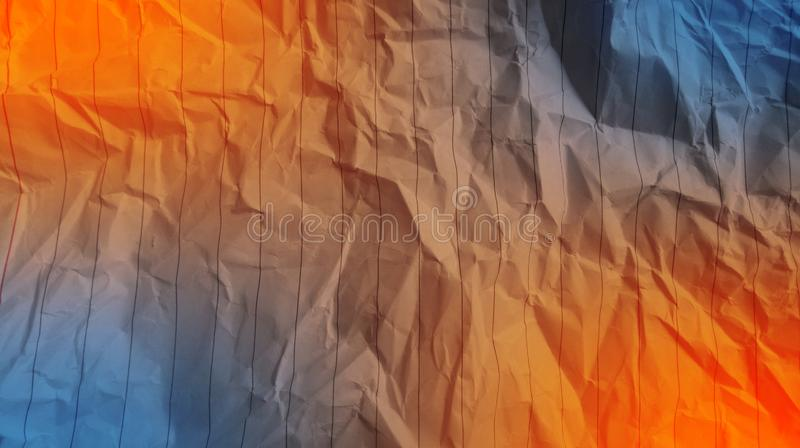 De samenvatting verfrommelde document oranje kleur, woestijn blauwe kleur, de gevolgenachtergrond van mengsel multikleuren stock fotografie