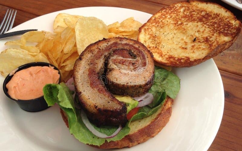 De sandwich van de varkensvleesbuik stock foto's