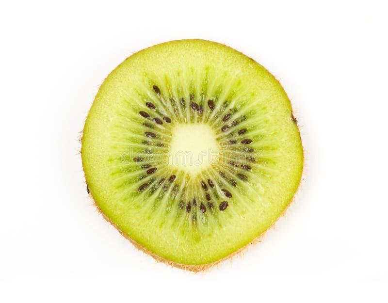 De sappige plak van het kiwifruit op wit royalty-vrije stock afbeeldingen