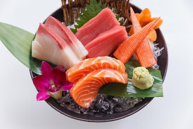 De sashimireeks omvat Ruwe Zalm, Ruwe Japanse Amberjack van Hamachi, Ruwe Maguro-Blauwvintonijn en Kani Crab Stick royalty-vrije stock foto