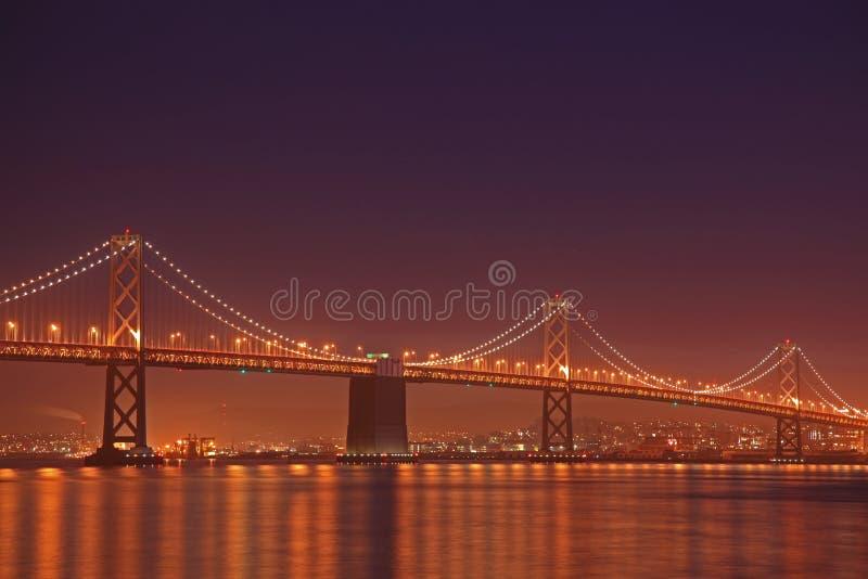 De scène van de Nacht van de Brug van de Baai royalty-vrije stock afbeelding