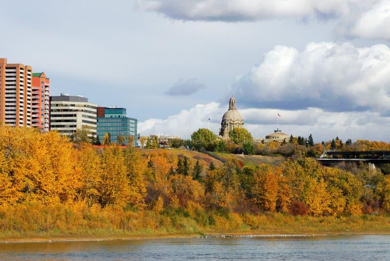 De scène van de rivieroever in Edmonton stock afbeeldingen