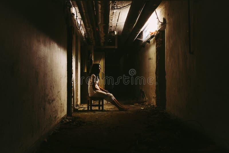 De Scène van de verschrikking van een Enge Vrouw stock fotografie
