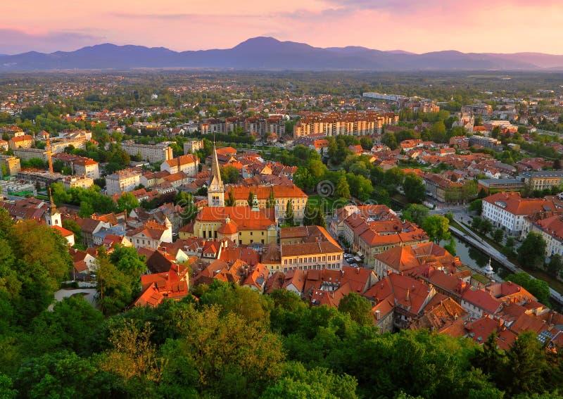 De scène van de zonsondergang van de horizon van Ljubljana stock fotografie