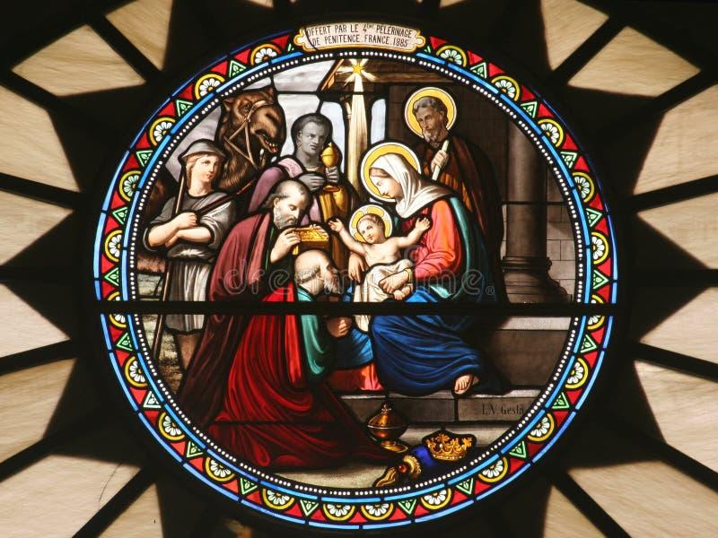 De scène van de geboorte van Christus, gebrandschilderd glas, Kerk van St Catherine, Bethlehem stock foto