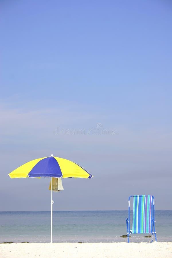 Download De Scène van het strand stock foto. Afbeelding bestaande uit vakantie - 297874