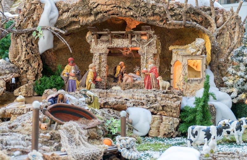 De scène van de Kerstmisgeboorte van christus - Baby Jesus, Mary, Joseph en dieren royalty-vrije stock afbeeldingen