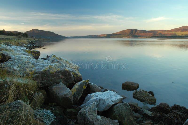De Schemer van de winter, Loch Vloot stock afbeeldingen