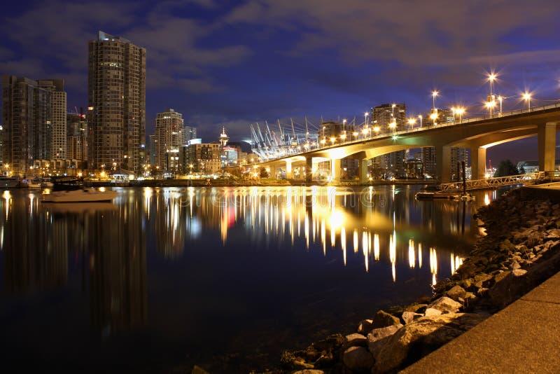 De Schemering van de Brug van Cambie, Vancouver stock foto's