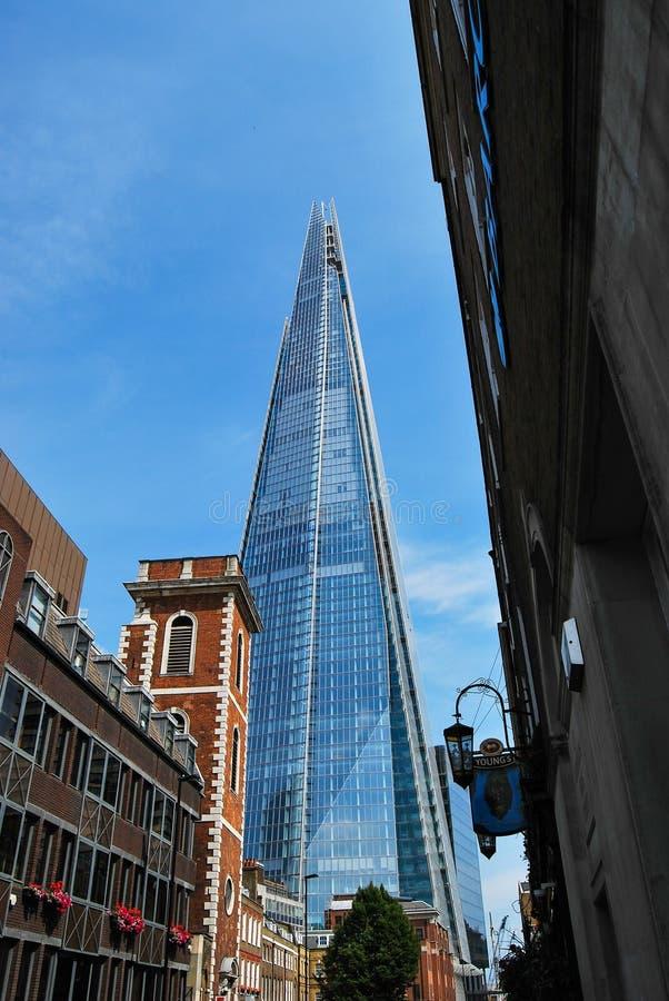De Scherf van Glas van St Thomas Street, Londen wordt gezien dat stock afbeelding