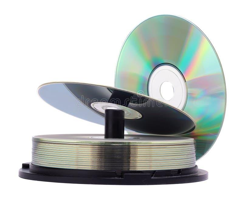 De schijvenstapel van CD die op een witte achtergrond wordt geïsoleerdn stock afbeelding
