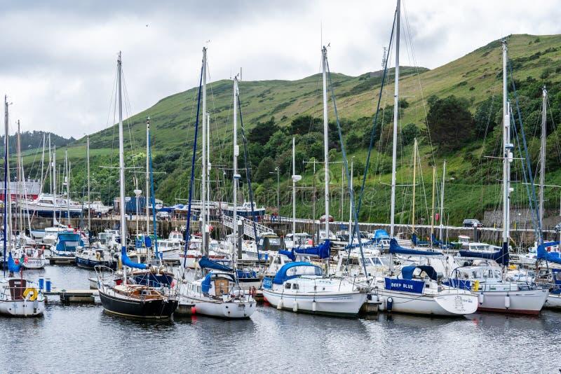 De schil is een kuststad en een kleine vissershaven op het Eiland Man, in de historische parochie van het Duits maar afzonderlijk royalty-vrije stock foto