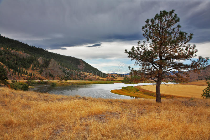 De schilderachtige Amerikaanse rivier Missouri royalty-vrije stock foto's