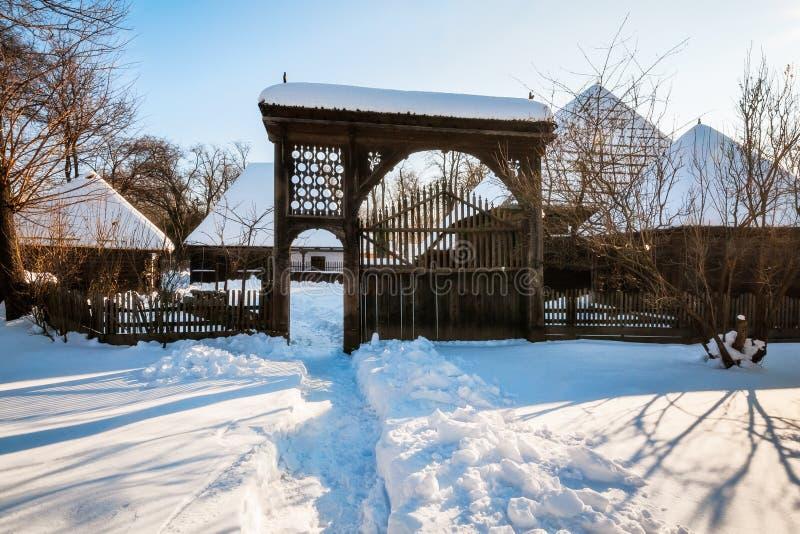 De schilderachtige winter die bij het Dorpsmuseum plaatsen in Boekarest royalty-vrije stock foto's