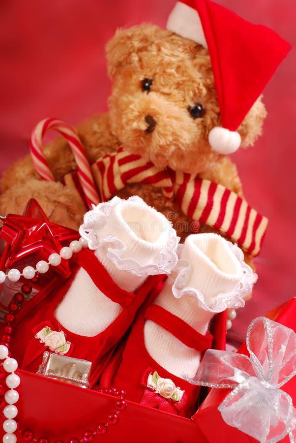 De schoenen van de baby voor Kerstmis stock afbeeldingen
