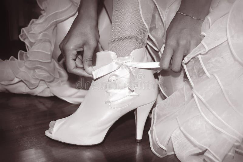 De schoenen van de bruid royalty-vrije stock afbeeldingen
